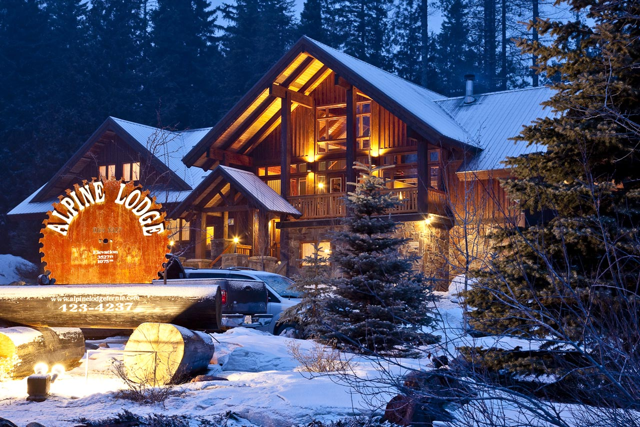 Home alpine lodge fernie for The alpine lodge