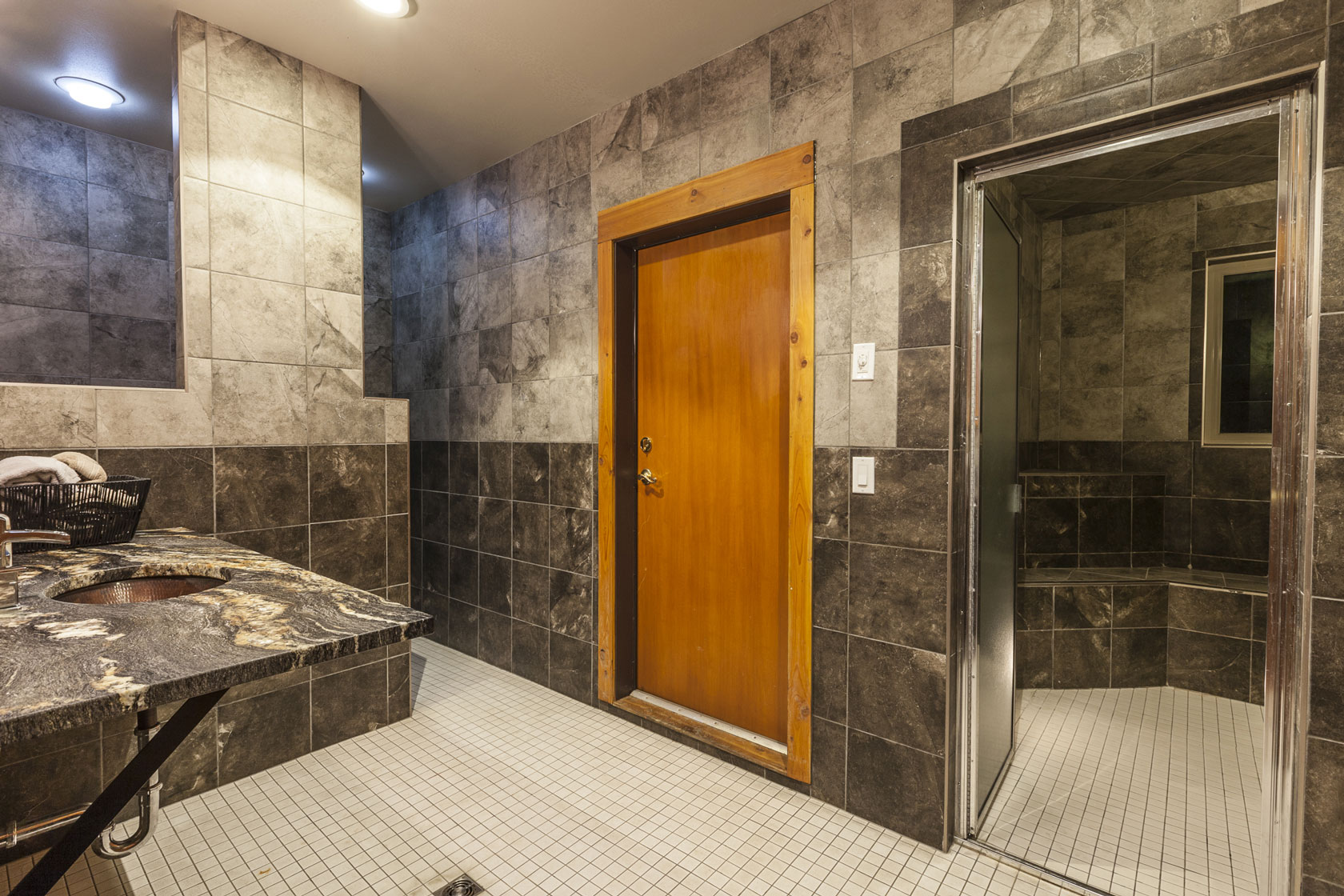 Steam Room - Alpine Lodge Fernie